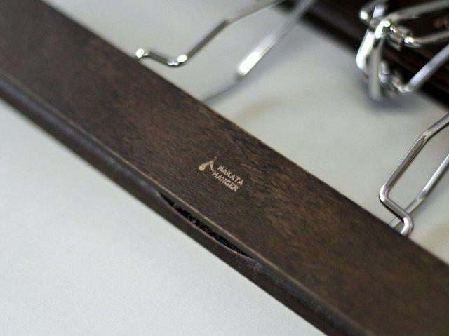 シワ取り効果の高いナカタ工芸のズボン吊りハンガー
