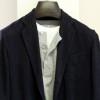 シャツ感覚で羽織れるCOMOLIのウールリネン3Bジャケット