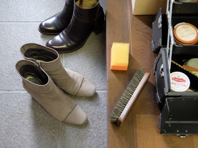 妻の冬物ブーツをメンテナンス