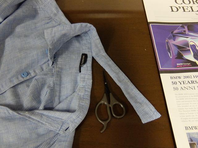 古着のシャツの襟を切ってスタンドカラーに‥
